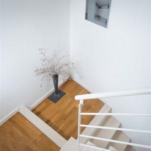 escada para piso 2
